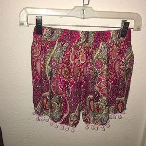 Shorts - Patterned pink shorts